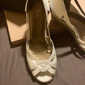 Bass Shoes - Bass women's 11 wedge sandals